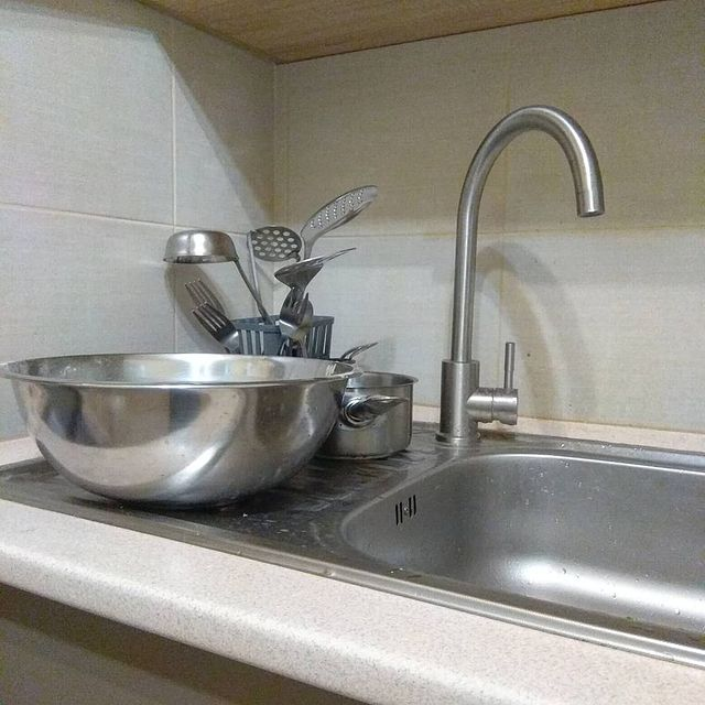 помыть посуду в домашних условиях